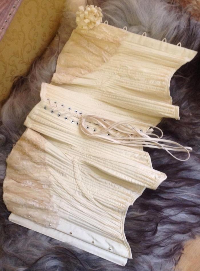 1902 corset by Sparklewren.